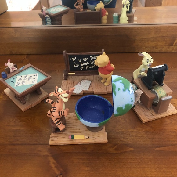 Enjoyable Winnie The Pooh Desk Set Andrewgaddart Wooden Chair Designs For Living Room Andrewgaddartcom
